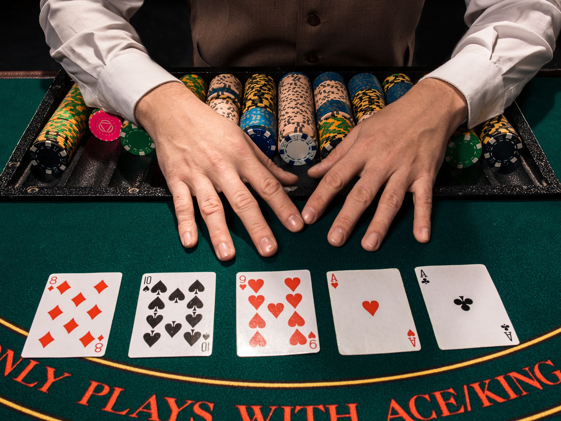What needs to be prepared before getting into the poker table3 - What needs to be prepared before getting into the poker table